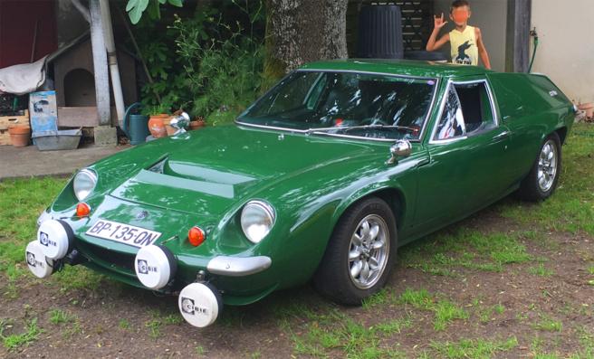 rassemblement de voitures de collection et d'exception organisé par le Rétromobile Club du Bassin d'Arcachon