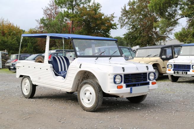 A vendre Méhari 4 places de 69 blanche et bleue restaurée