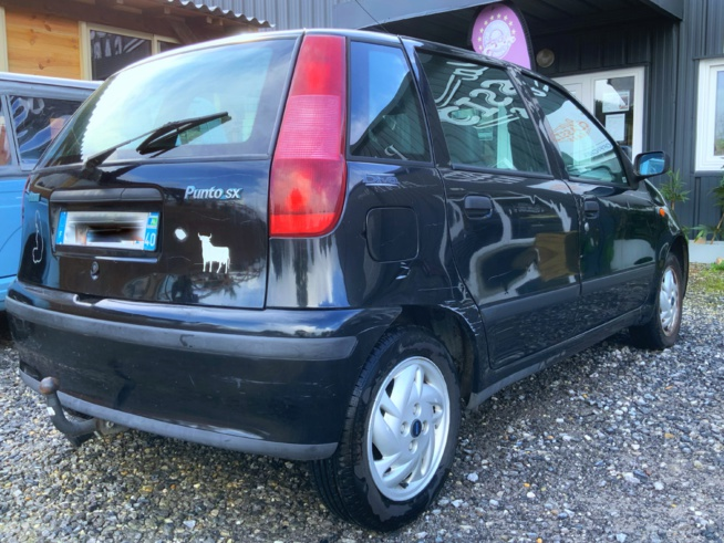 A VENDRE Fiat Punto SX 60 de 1998 CT récent ok pas cher