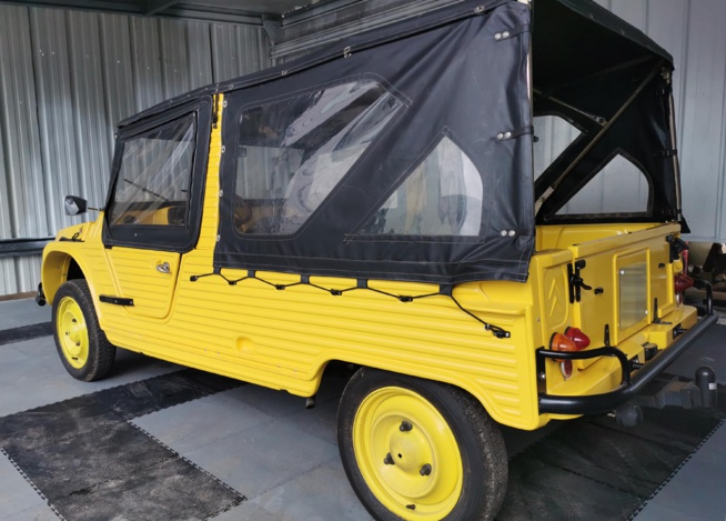 Superbe Méhari jaune et noire restaurée