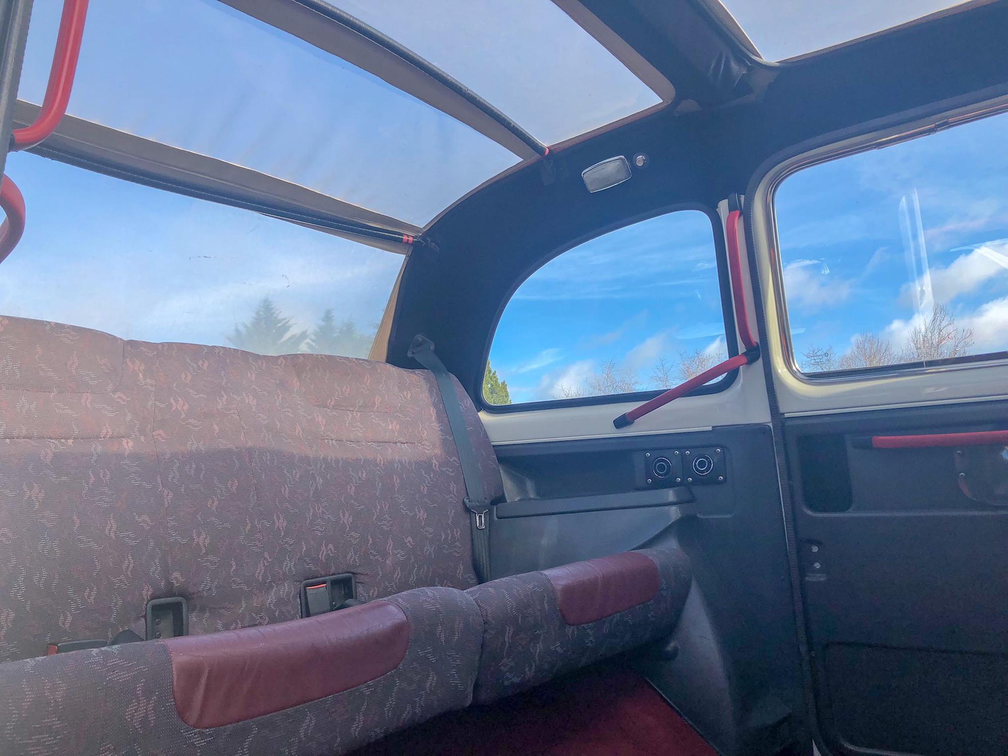 Location taxi anglais sur le Bassin d'Arcachon : voiture idéale pour un mariage ou fleuriste