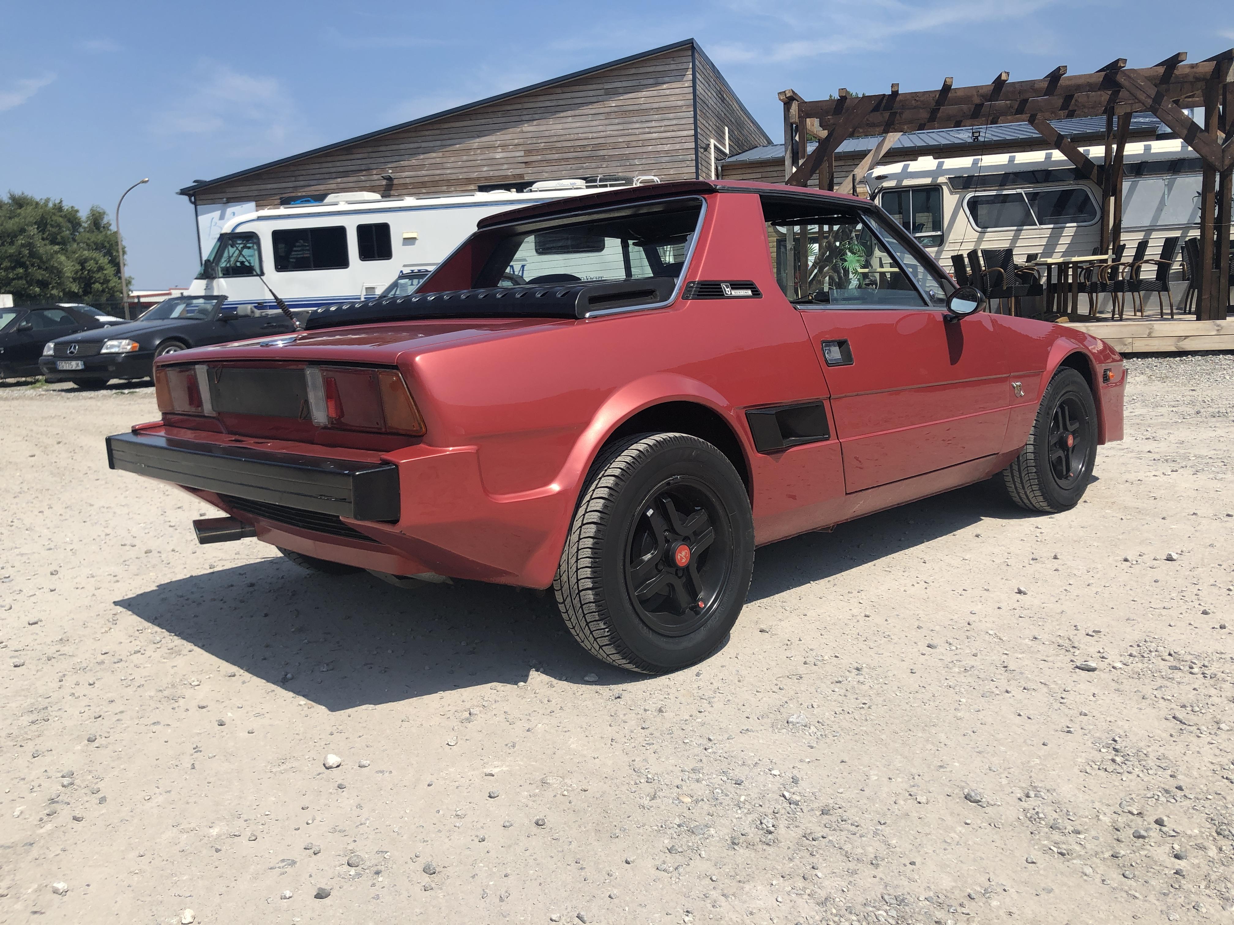 A vendre FIAT X 1/9