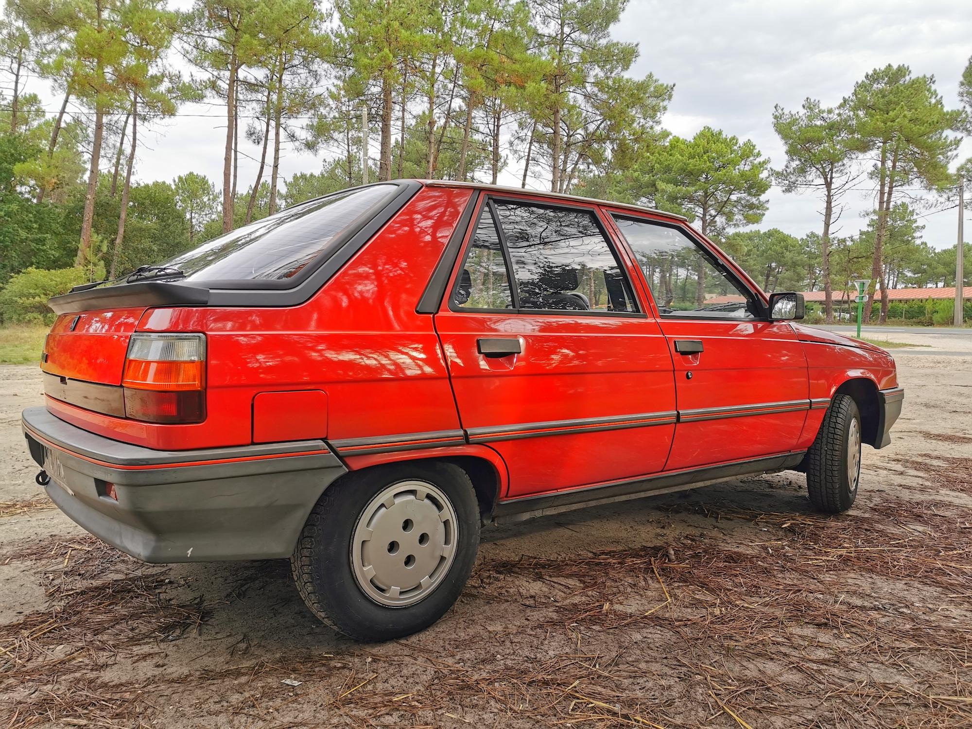 Renault R11 TL rouge dans un bel état de conservation ! (Jugez vous-même)