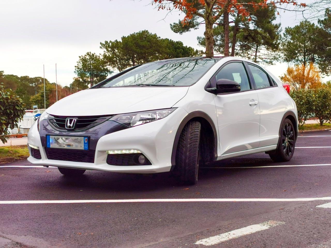 A VENDRE Honda Civic 5P 1.4 i-VTEC S Executive de 2012 en parfait état