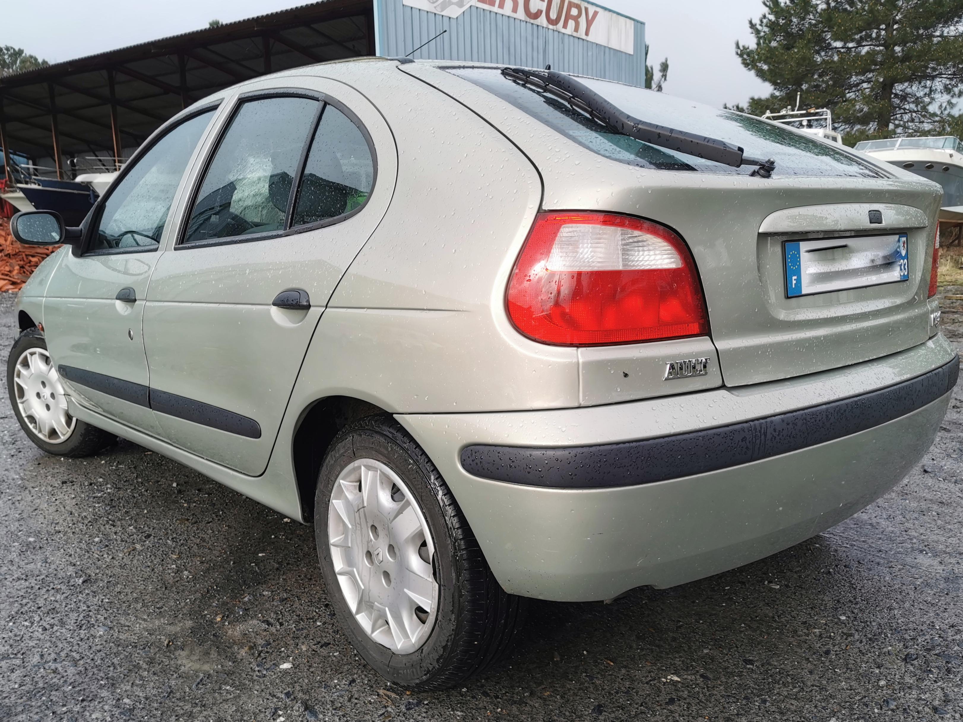 A VENDRE Renault Megane 1.6 16v de 2001 au contrôle technique ok
