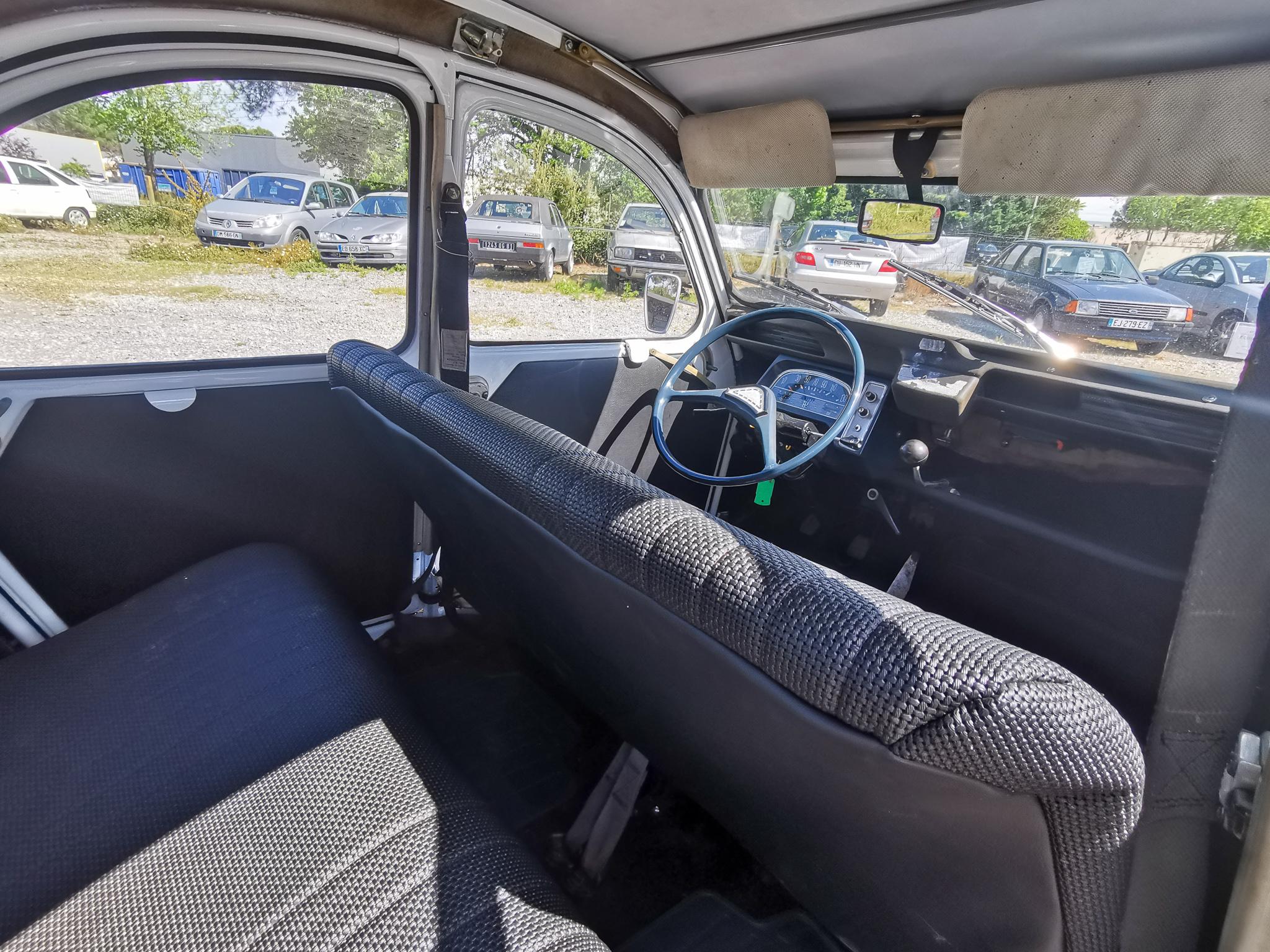 A VENDRE : Citroën 2CV 6 de 1972 en bel état (CT ok)
