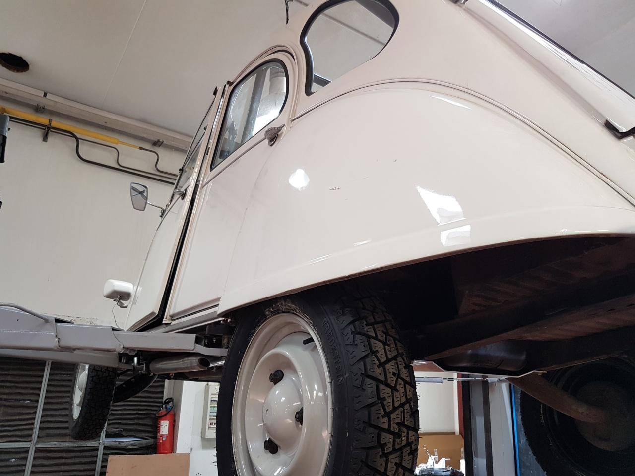 Pr paration raid 2 cv roue crant e pr paration for Garage volkswagen la teste