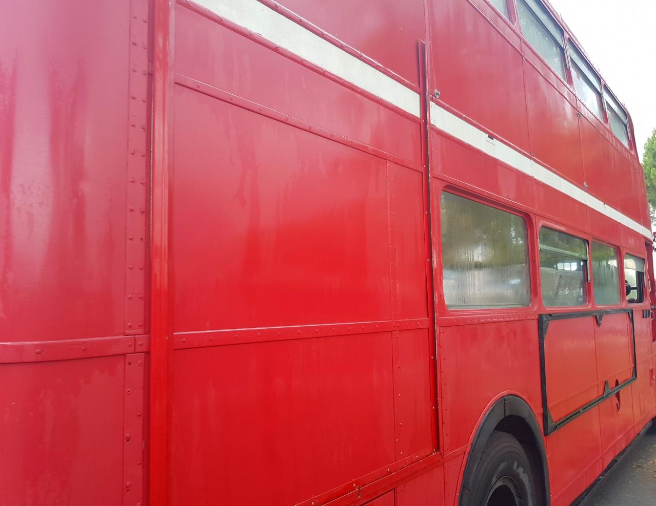 20170627 104050 bus anglais pyla classic cars galerie for Garage volkswagen la teste