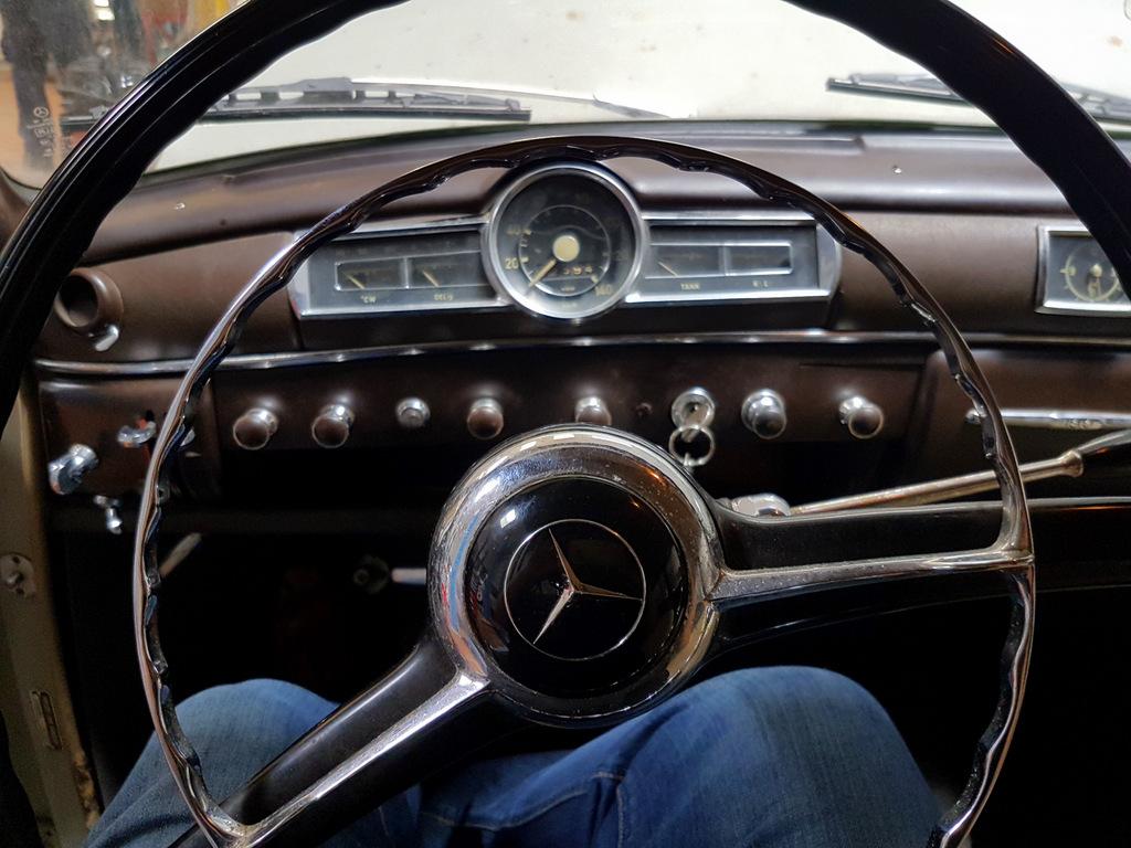 mercedes 180 ponton galerie garage auto moto la teste v hicules anciens pyla classic cars. Black Bedroom Furniture Sets. Home Design Ideas