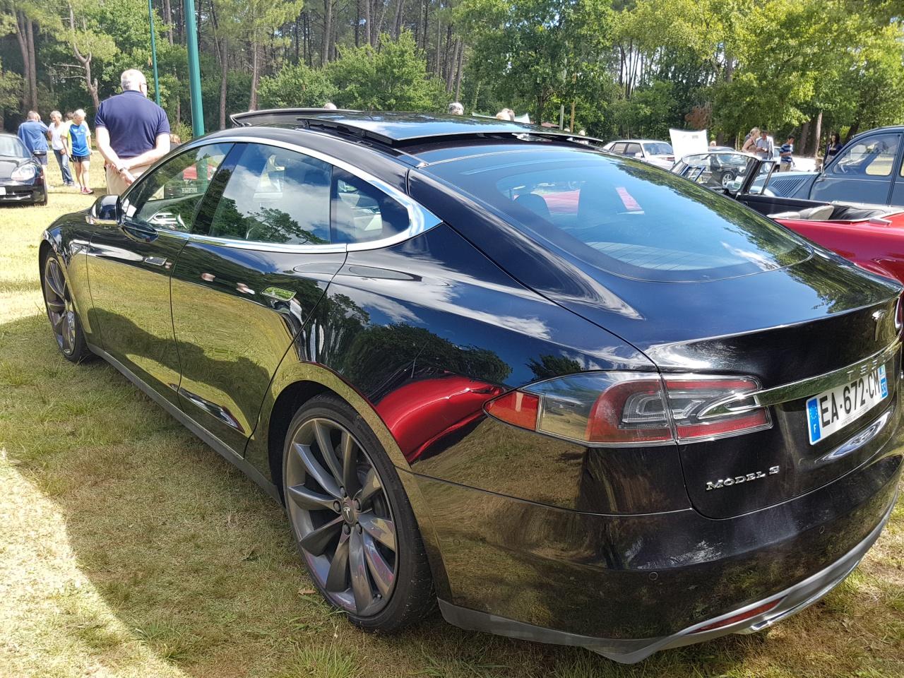 20170702 111533 rassemblement voitures rotary arcachon for Garage volkswagen la teste